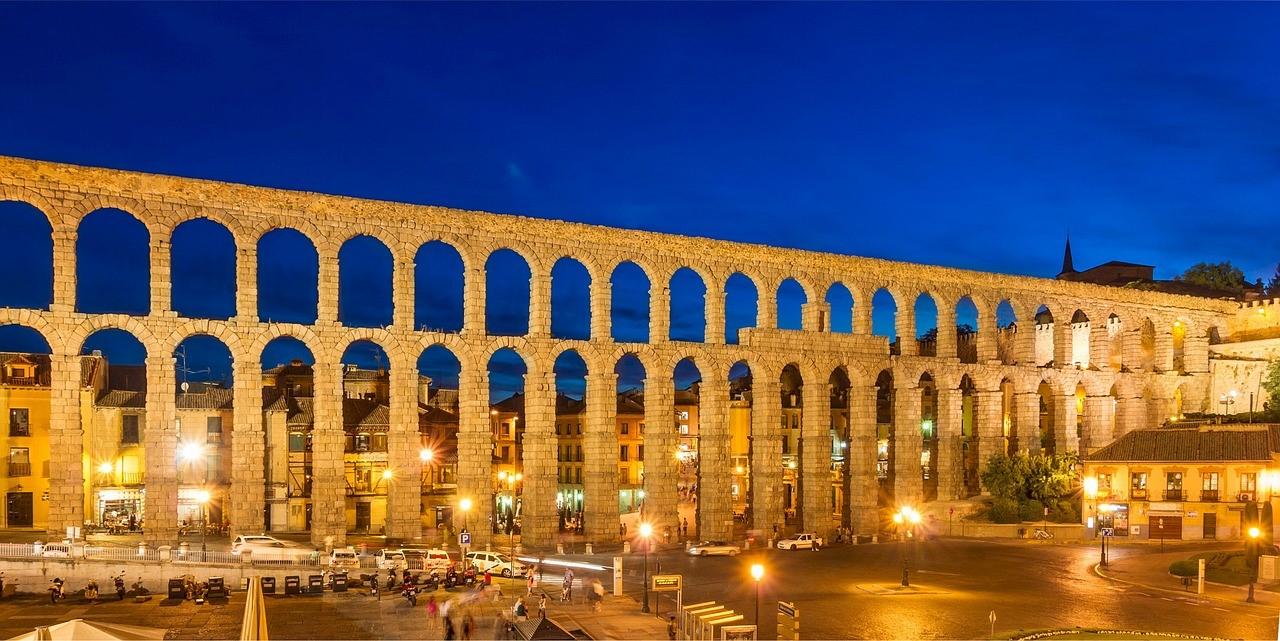 Acueductos romanos para el traslado de agua en España
